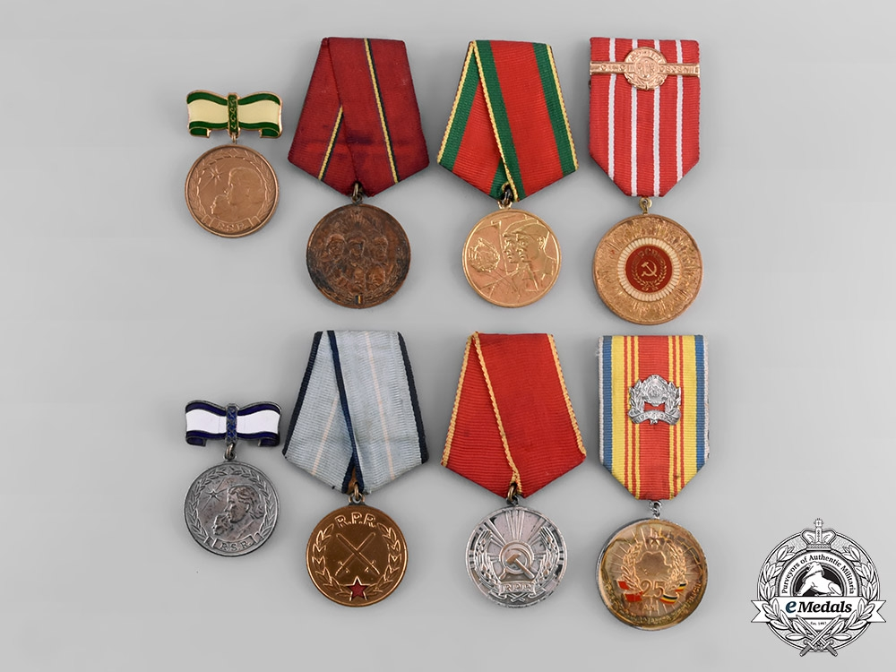 eMedals-Romania, Republic. A Lot of Eight Medals & Awards