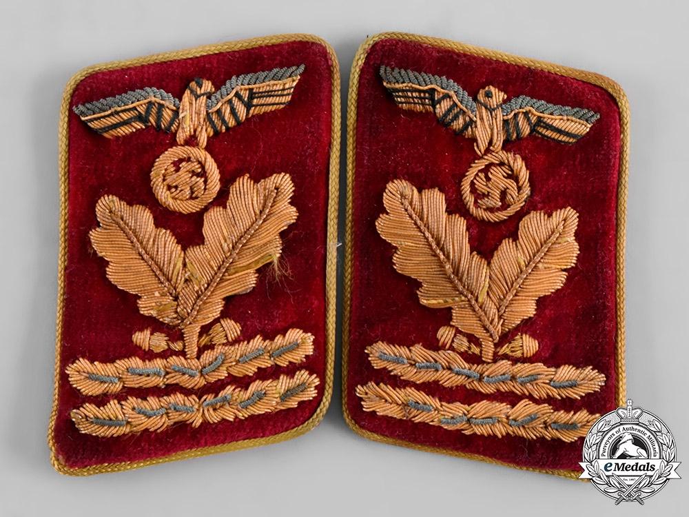 eMedals-Germany, NSDAP. A Pair of Reichs Level Hauptbereichsleiter Collar Tabs