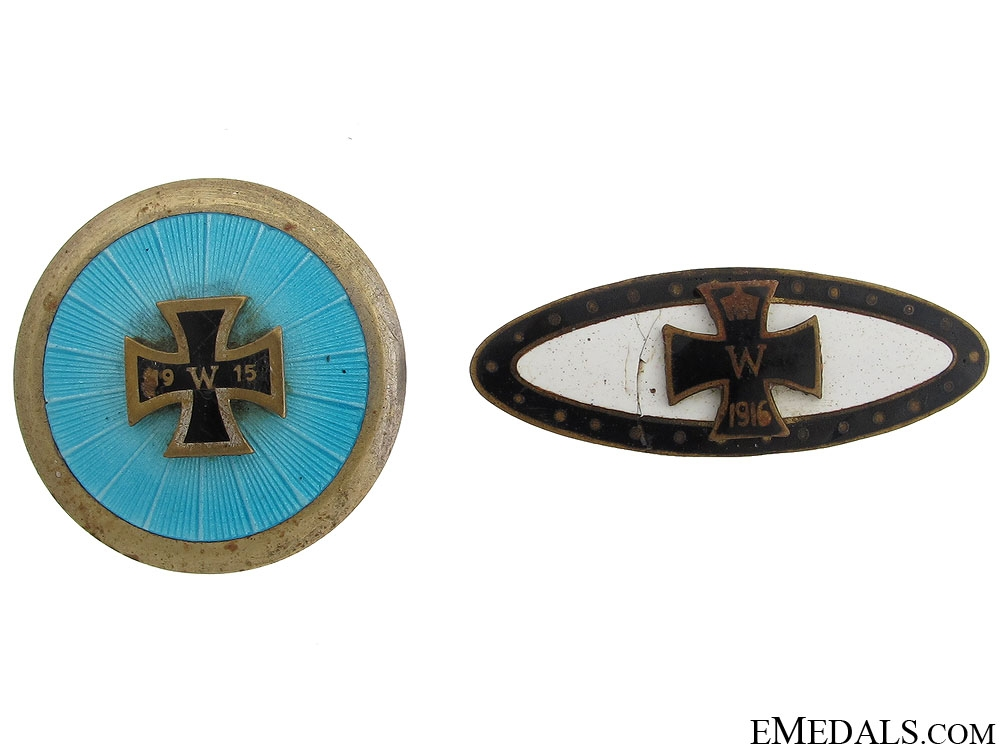 eMedals-Two WWI German Iron Cross Badges