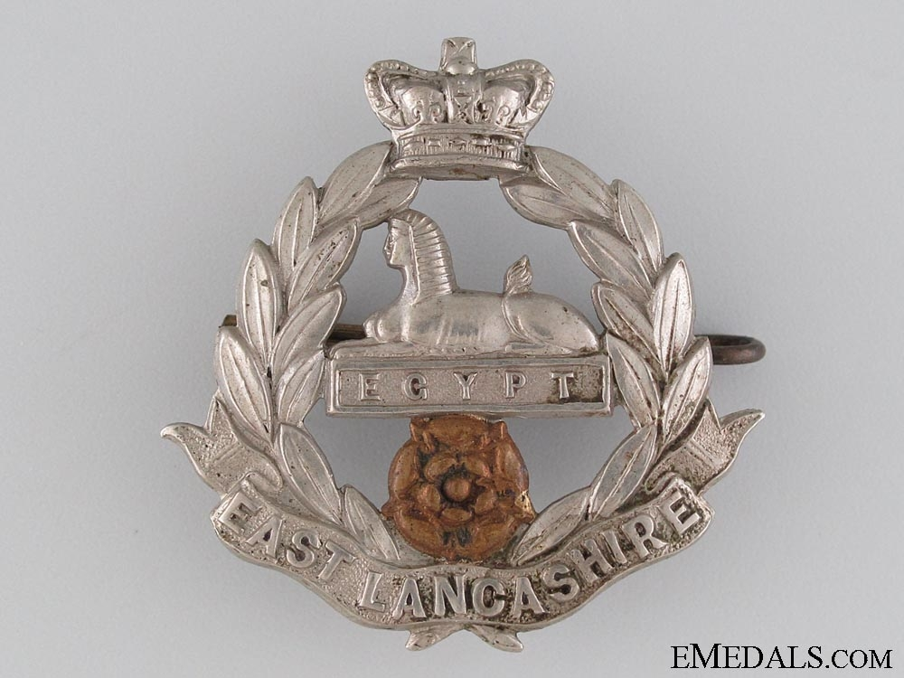 eMedals-Victorian East Lancashire Regiment Cap Badge