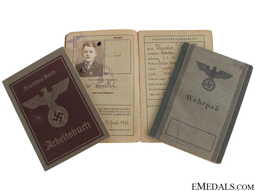 eMedals-Wehrpass, Reisepass & Arbeitsbuch