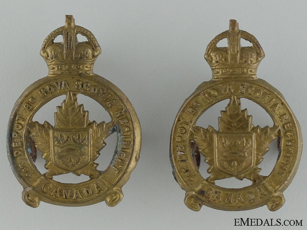 eMedals-WWI 1st Depot Battalion; Nova Scotia Regiment Collar Pair