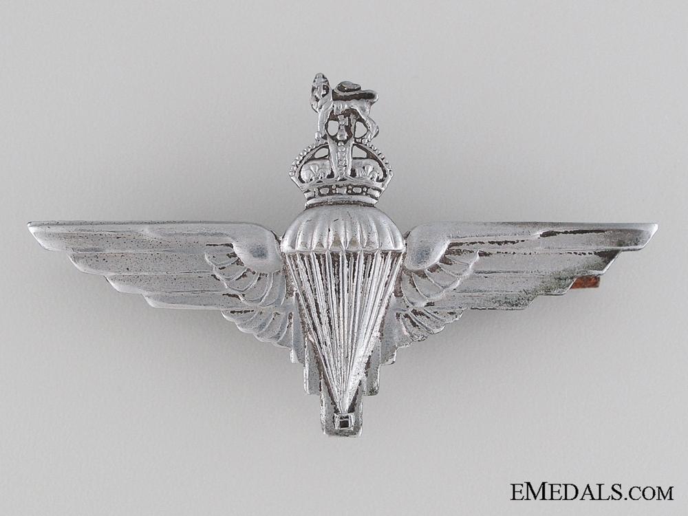 eMedals-WWII Parachute Regiment Beret Badge