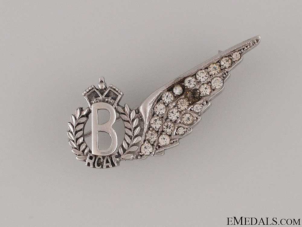 eMedals-WWII RCAF Bomber Wing Sweetheart Pin