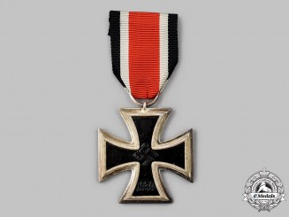 Germany, Wehrmacht. A Mint 1939 Iron Cross II Class, by Bek, Hassinger & Co.