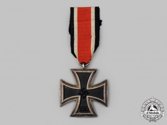 Germany, Wehrmacht. A 1939 Iron Cross II Class, Lug Variant