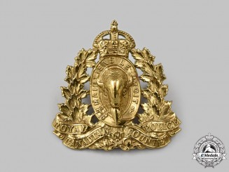 Canada. Royal Canadian Mounted Police (RCMP) Cap Badge with King's Crown