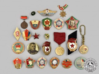 Czechoslovakia, Socialist Republic; Russia, Soviet Union. A Mixed Lot of Badges