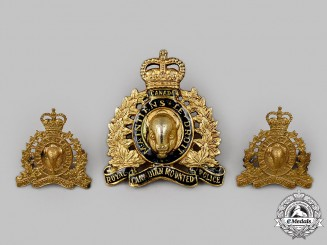 Canada, Commonwealth. A Royal Canadian Mounted Police (RCMP) with Queen's Crown Insignia Set