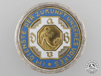 A Golden Honour Badge of the German Midwife Association