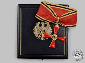 Germany, Federal Republic. An Order of Merit of the Federal Republic of Germany, Commander's Cross with Case, by Steinhauer & Lück