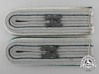 An Armed Forces Paymaster Official for the Duration of the War (Beamter auf Kriegsdauer) Shoulder Board Pair