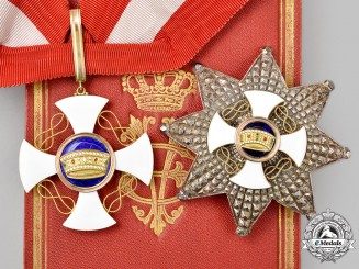 Italy, Kingdom. An Order of the Crown, Grand Officer in Gold, Cased