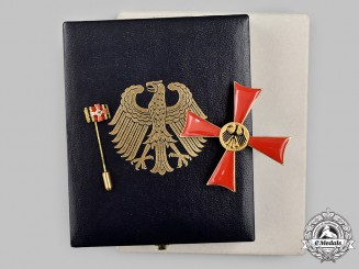 Germany, Federal Republic. An Order of Merit, I Class Merit Cross with Case, by Steinhauer & Lück