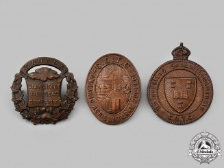 Canada. Three First and Second War University Companies Cap Badges