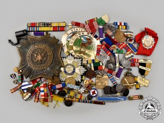 United States. A Lot of 111 Military Themed Items