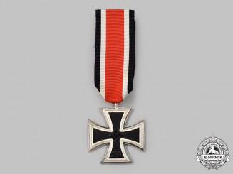 Germany, Wehrmacht. A Mint 1939 Iron Cross II Class, Lug Variant