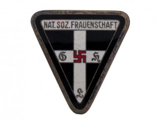 "NS KREIS  Leader""¢¯s Frauenschaft Badge"