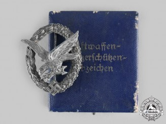 Germany, Luftwaffe. A Radio Operator and Air Gunner Badge, with Case