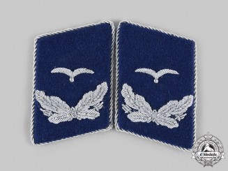 Germany, Luftwaffe. A Set of Luftwaffe Medical Leutnant Collar Tabs