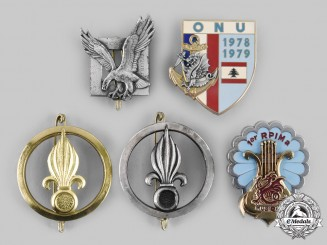 France, Republic. A Lot of Five Regiment Badges