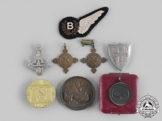 United Kingdom. A Lot of Eight Badges, Insignia, & Membership Awards