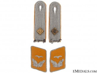 Flight Leutnant's Collar Tabs & Shoulder Boards