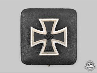 Germany, Wehrmacht. A 1939 Iron Cross I Class with Case, by B.H. Mayer