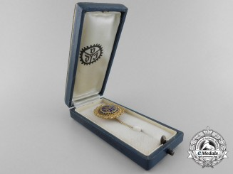 An Association of German Engineers Golden Badge of Honour with Case
