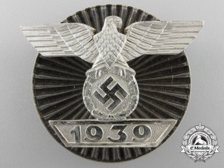 A Rare & Near Mint Clasp to the Iron Cross 1939 Screwback
