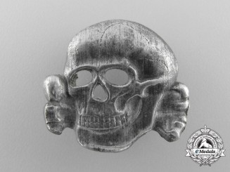 An SS Skull