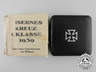A Case and Outer Cartonage for Iron Cross 1st Cl., Klein & Quenzer