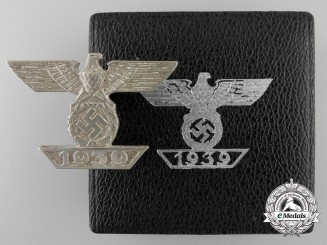 A Clasp to the Iron Cross 1939 by B.H. Mayer; 1st Class with Case