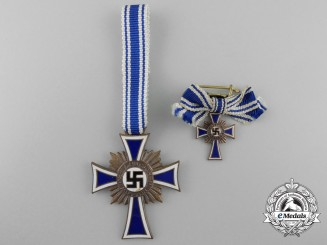 A Bronze Grade German Mother's Cross with Miniature