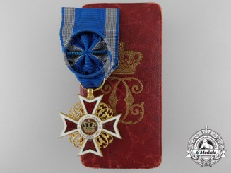 An Order of the Romanian Crown; Officers cross 1881-1932 with Case