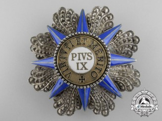 The Order of Pius IX; Breast Star