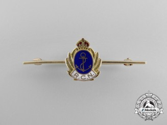 A Second War Royal Canadian Navy Pin in Gold