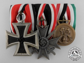 An Iron Cross & Africa Campaign Medal Bar