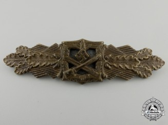 A Bronze Grade Close Combat Clasp by Friedrich Linden, Lüdenscheid