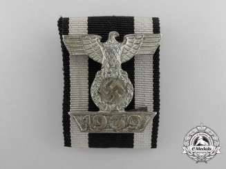 A First Type Clasp to Iron Cross 1939; Second Class