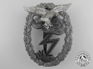 A Luftwaffe Ground Assault Badge by M.u.K.5