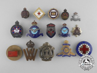 Canada. A Lot of Fifteen First & Second War Badges