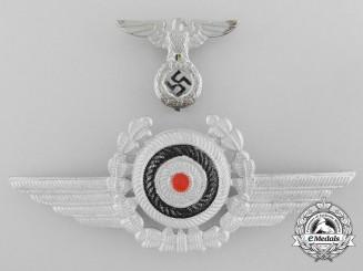 Germany. A Deutche Luftfahrt/DLV Officer's Visor Cap Insignia