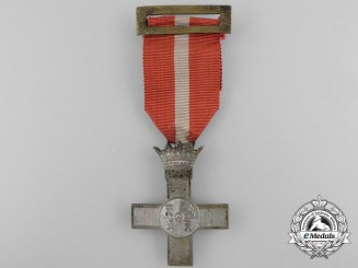 A Spanish Order of Military Merit; Silver Cross with Red Distinction