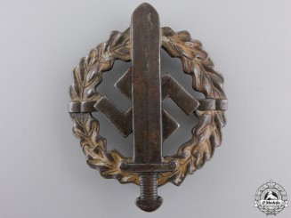 A Bronze Grade SA Defense Badge by Fechler