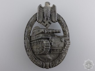 A Bronze Grade Tank Badge by Aurich