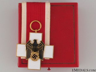 A Cased German Social Welfare Decoration