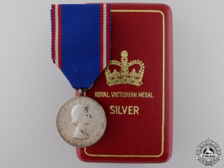 A ERII Royal Victorian Medal; Silver