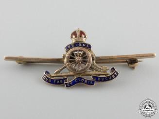A First War Royal Artillery Pin in Gold