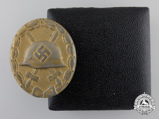 A Gold Grade Wound Badge by Eugen Schmidthäussler